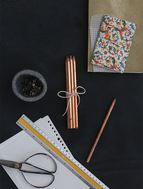 diy_gold_leaf_pencils7