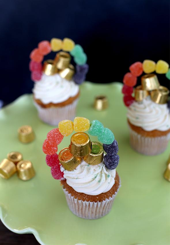 st patricks day rainbow cupcakes