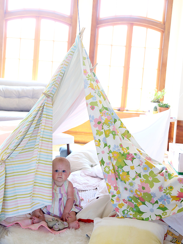 How to Build a Living Room Fort