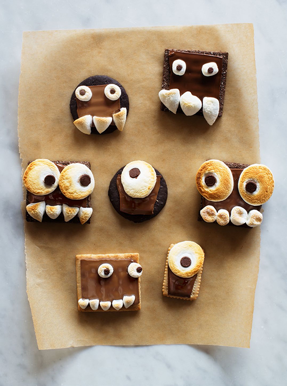 Candy Aisle Crafts - Monster S'mores