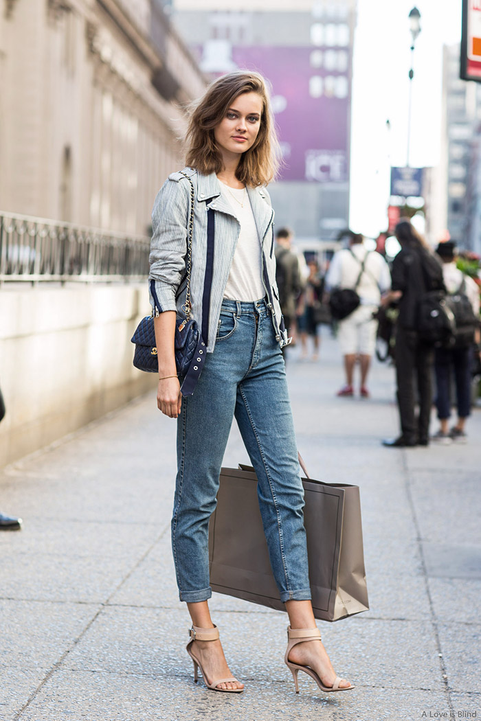 5 Street Style Images That Will Change Your Mind About Mom Jeans Say Yes