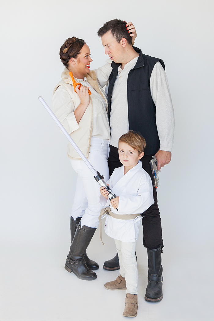 http://sayyes.com/wp-content/uploads/2015/09/star-wars-costume.png