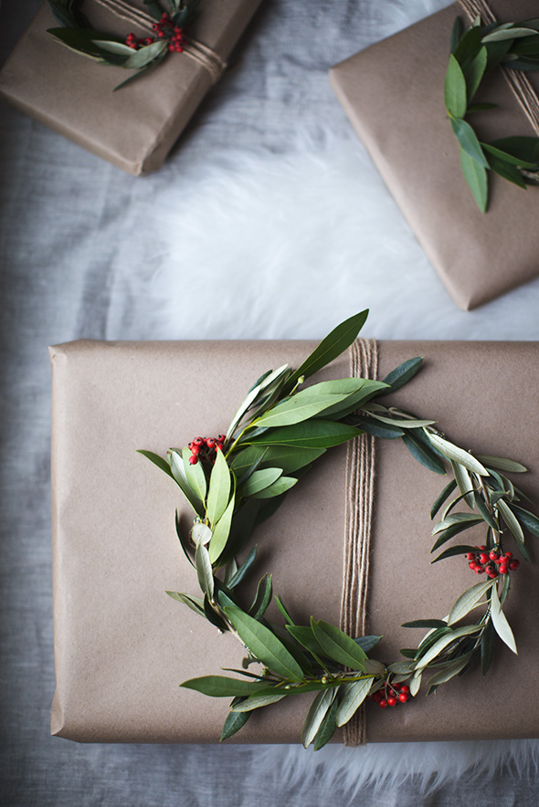 wreath gift toppers