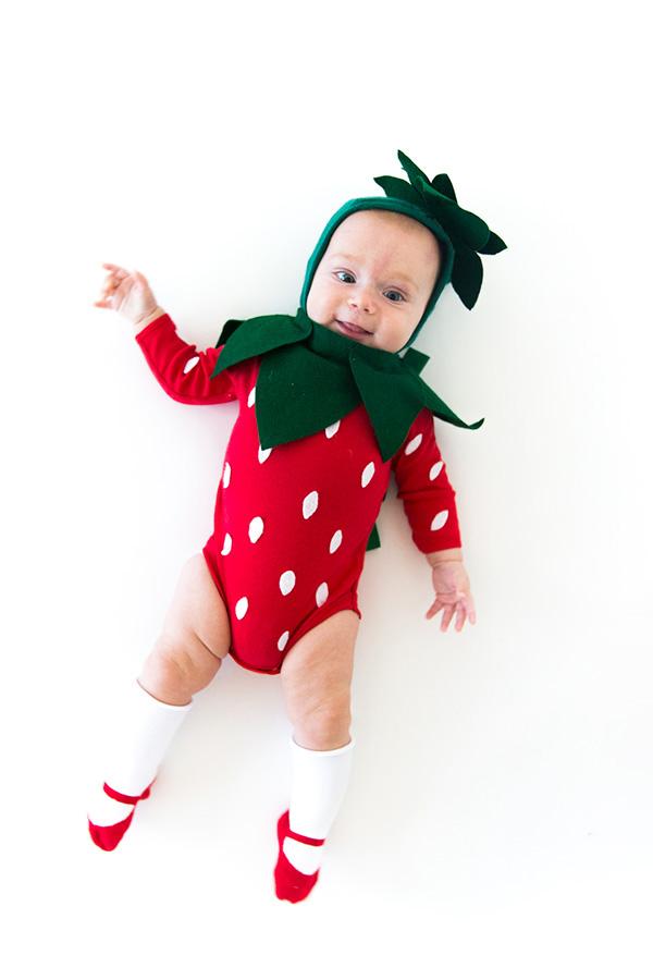 strawberry_baby_costume2
