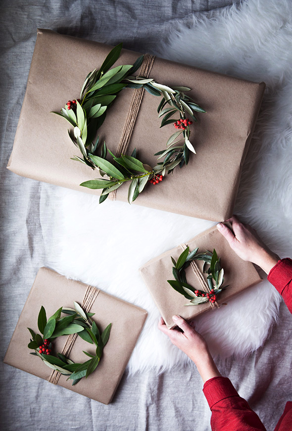 wreath_gift_toppers3