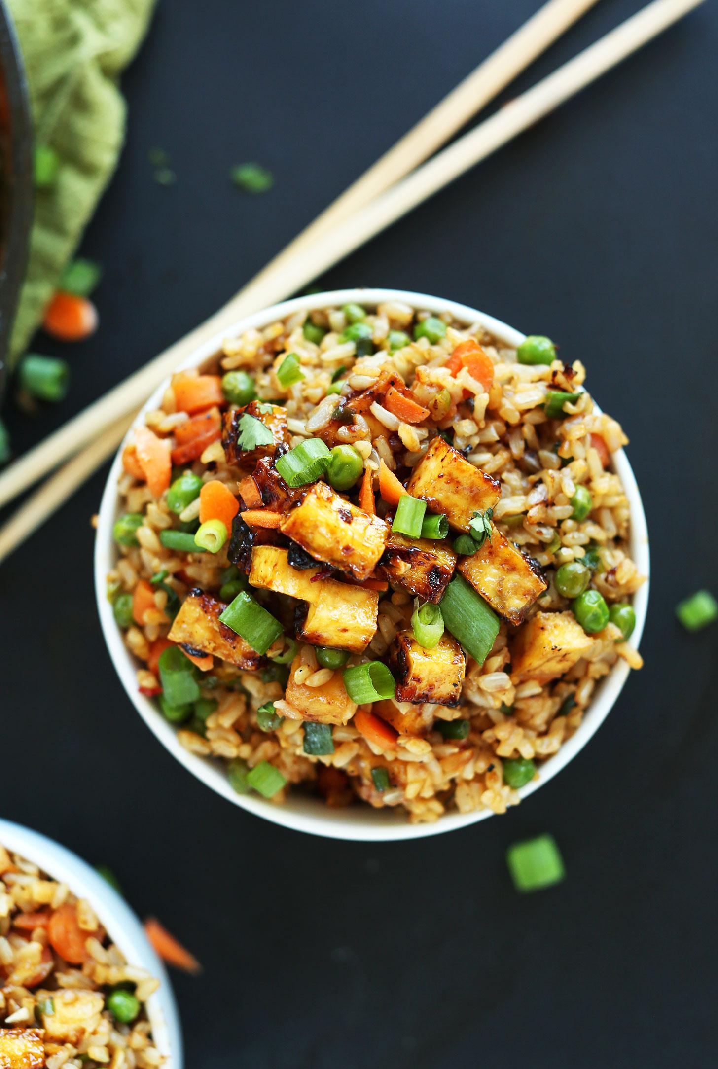 AMAZING-HEALTHY-Vegan-Fried-Rice-with-Crispy-Tofu-vegan-glutenfree-recipe-chinese-friedrice-minimalistbaker